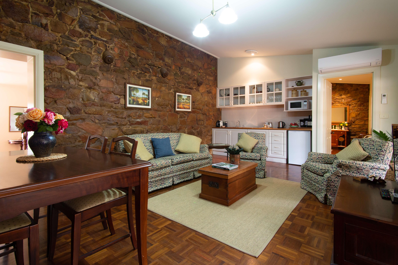 Byronsvale Bendigo Accomodation The Lodge